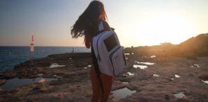 белый рюкзак с солнечной батареей BIRKSUN BOOST SOLAR