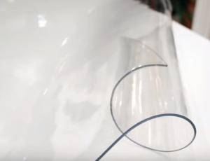 свернутая скатерть мягкое стекло